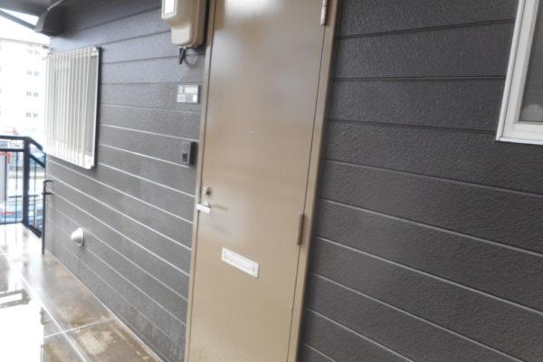新潟市中央区 玄関扉塗装工事